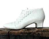 Ivory White Leather Ankle Boots || Size 6 / 36