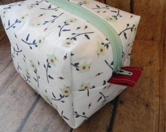 Floral Boxy Makeup Bag, Cosmetic Bag, Flower Makeup Bag, Make up Bag, Zippered Pouch, Toiletries Bag, Travel Make Up Bag, Travel Bag, Mint