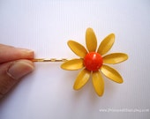 Vintage earrings hair pins - Minimalist yellow gold daisy orange enamel flower fun girl garden unique embellish decorative hair accessories