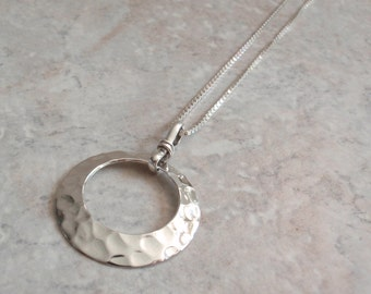 Disk Necklace Sterling Hammered Modernist Round Circle Donut 18 Inch Box Chain Vintage V0721