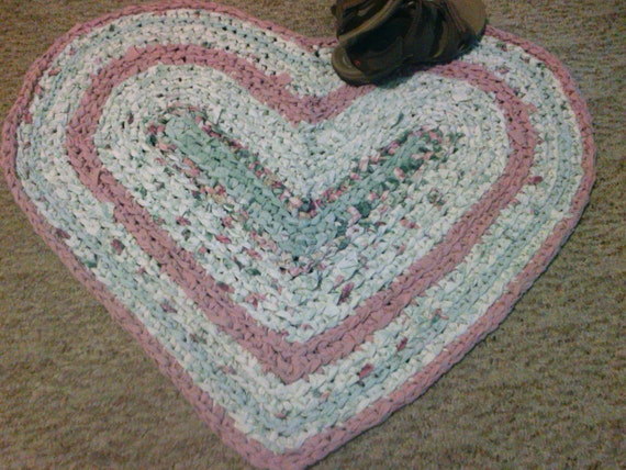 "Crocheted Heart rag rug-32"" x 29""-Repurposed linens-Shabby Chic-Bathroom Rug-Kitchen Rug-Country Rag Rug-Cabin-Machine Washable-Reversible"
