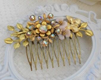 Flower Comb, Floral Hair Comb, Assemblage Hair, Gold Leaf Hair Comb, Bridal Headpiece, Vintage Bride, Gold Leaves Headpiece, Golden Vine