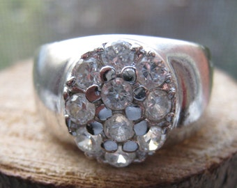 Beautiful Wide Band Vintage Sterling Silver and Cubic Zirconia Women's Ladies Ring Size 8 Oval Setting