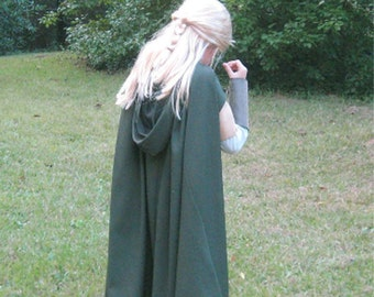 Boy's or Girl's Medieval Hooded Cape in Moss Green or Black Sizes 6-12 / Legolas / Ranger's Apprentice / Wizard / Goth