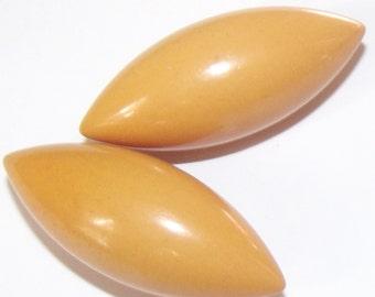 Vintage Buttons Cream Corn Bakelite Football shape