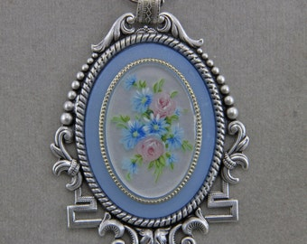 Silver Plated Oval Setting With Blue Floral 30x40mm  Cameo 20 Inch Chain With Magnetic Catch