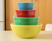 Pyrex Primary Color Mixing Bowls, Vintage Nesting Bowls, 1950s Pyrex Batter Bowls, Mix Bowl, Gift for Mom, Gourmet Gift, Chef