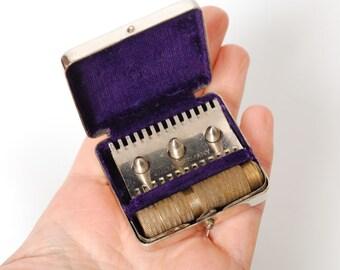 Vintage shaving traveling set, razor in original  metal  case. Made in Germany.