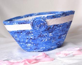 Blue Bath Basket, Handmade Sky Blue Key Holder, Blue Bowl, Lovely Blue Cotton Fiber Bowl, hand wrapped and coiled fabric basket