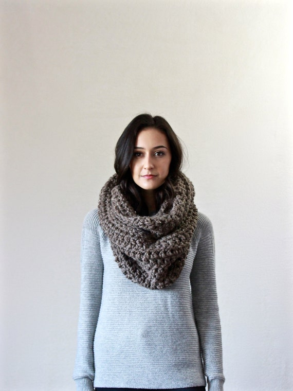 Chunky Infinity Scarf. loop scarf. circle scarf, cowl, snood  // The Bastille - BARLEY