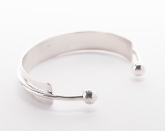 Ball and Bar Cuff in Sterling Silver