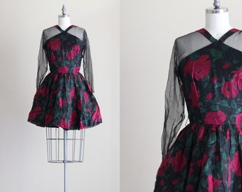 50s Vintage Dress . Retro Cupcake Floral Dress . Full Circle Skirt Dress