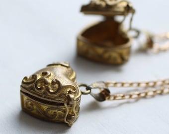 Treasured Heart Locket ... Secret Vintage Gold Casket