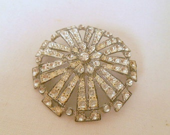 Vintage collectable pot metal and Rhinestone Brooch