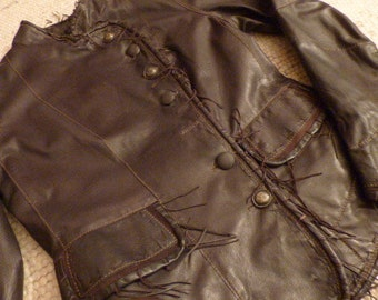 Womens, SCULLY,  Motorcycle Jacket, Soft Pure Leather, Fringed,  with Angled Buttons . Late 80s . Amazing Shape- LIKE NEW!