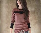 Stripe black burnt orange/Lace applique/Flower brooch removable/Long sleeve crew