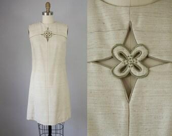 60s Vintage Floral Embroidered Cut Out Linen Short Dress. 60s Shift Dress (S)