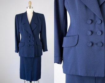 1940s Vintage Navy Blue Wool Suit. 40s Wool Jacket and Skirt Set (XS petite)