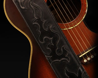Black leather guitar strap: The Raven River Guitar Strap