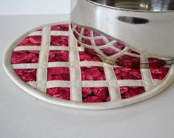 Raspberry Pie Hot Pad Pot Holder, kitchen fruit decor