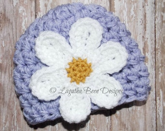 Chunky baby hat with large daisy - baby daisy hat - girls daisy hat - crochet baby hat - photo prop - made to order