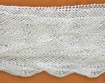 Lovely Vintage Crochet Lace Trim, White Colored Trim, 165 inches length, 6 inch width
