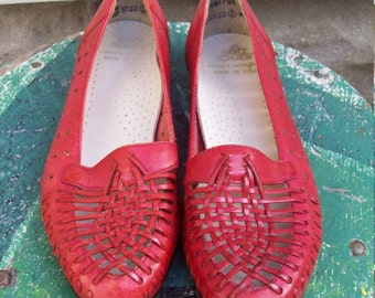 Vintage Red Leather Soft Sports Shoes Woven Red Leather Flats Size 6 Euro 36-37 UK 4