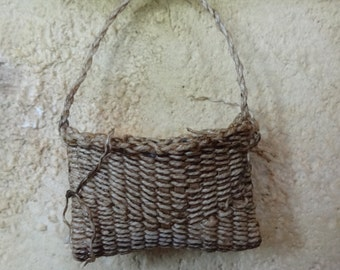 1:12th scale dollhouse miniature woven basket