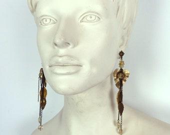 Vintage 1980s long boho gold leaf dangle earrings