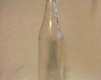 1944 Lovers Leap Co. Varsity Lynn, Mass., clear 8 Ounce Soda Bottle