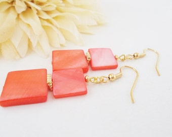 Salmon Pink Earrings, Mother of Pearl, Shell Earrings, Beaded Earrings, Geometric Earrings, Clip On Earrings, Hypoallergenic, Beach Jewelry