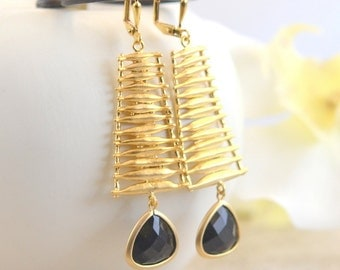 Black and Gold Statement Earrings.  Dangle Earrings with Gold Washboard and Black Stones.  Jewelry Gift.  Dangle Earrings.  Jewelry.
