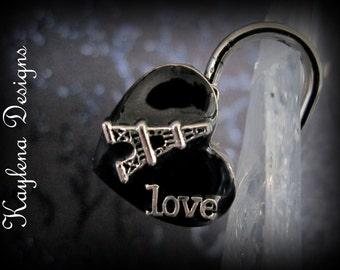 Love Paris, working lock, lock and key  Love Lock