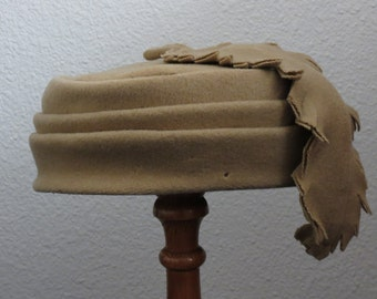 1960s Vintage Tan Wool Pillbox Hat with Feather, Pleated Camel Color Aunt Bee