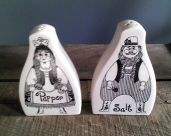 Vintage Figgjo Flint Man and Woman Salt n Pepper Shakers
