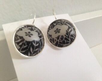 Black Flower Earrings Pierced Lightweight Aluminum contemporary