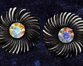 50's Lashed Out Clip On Button Earrings