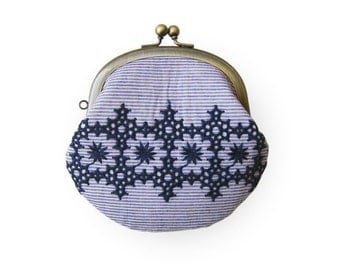 Embroidered blue Line Coin Purse