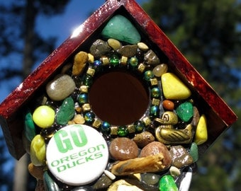 Oregon Ducks birdhouse decoration Mosaic Stone Birdhouse for your Garden with Oregon duck colors green and yellow duck love