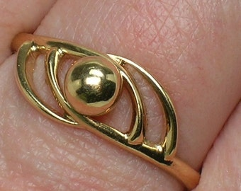 Soviet Ring: 583 Rose Gold. Retro Modern Ball & Swirl, Eye. No Stone. Riga Latvia. Size 9