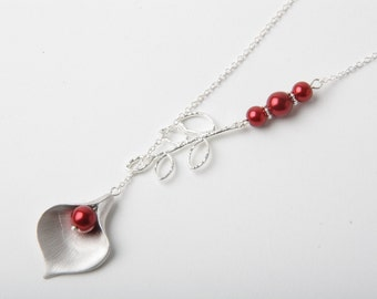 Bridesmaid necklace, Red wedding necklace, Silver calla lily necklace, red pearl necklace, bridesmaid gift, red calla necklace,