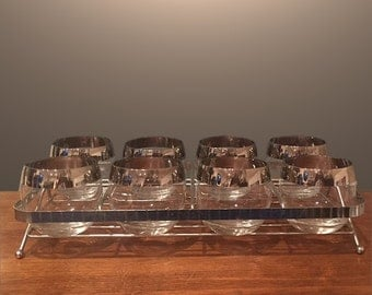 Dorothy Thorpe Roly Poly Set of 8 Glasses in Chrome Stand Vintage Mid Century