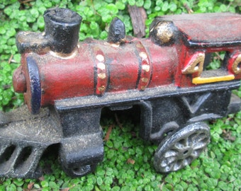 Cast Iron Toy Train.  Cast Iron Locomotive  40 and 403 Passenger Car and 404 Caboose.  Y-050