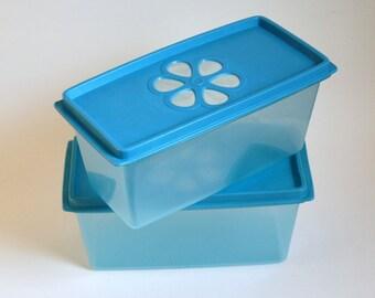 Vintage Rubbermaid, Blue Flower Lids, Rubbermaid Containers, Mod Flower Power, Groovy Storage, Hippie Kitchen Decor