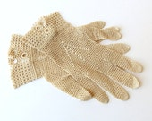 Ecru Crochet Lace Gloves Size 7 Cuff and Buttons 914a