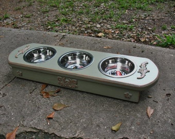 Small to Medium Cat or Dog Elevated Pet Feeder, Dog Bowl, Pet Feeding Station, 3 One Pint Bowls - Dusty Olive Distressed - Made To Order