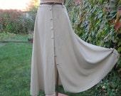 Buttoned Skirt Vintage / Light Beige / Size EUR44 / 46 / UK16 / 18