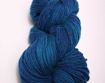 Yarn Worsted Single Ply sp Hand dyed Merino Wsp15002 Peacock