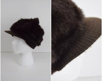 Vintage brown faux fur beret with brim / winter hat with pom pom