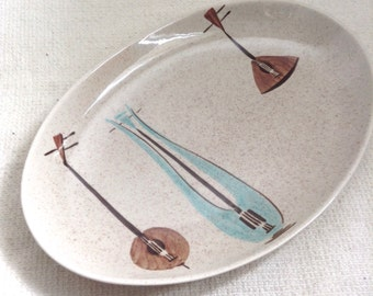 Red Wing Lute Song Serving Platter.  12.75 inch.  Hollywood Regency,  Mid century modern, Danish Modern, Eames era. Deco 1950's.